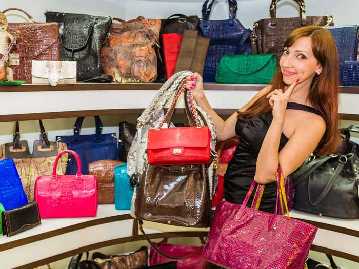 How To Choose The Right Handbag for Work